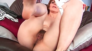 Spicy mature hairy solo porn video in the bed