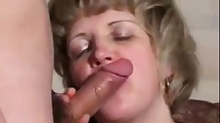 Passionate Russian hottie knows how to suck