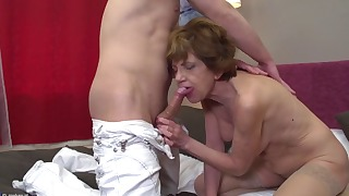 Stunning short-haired older mom mature porn