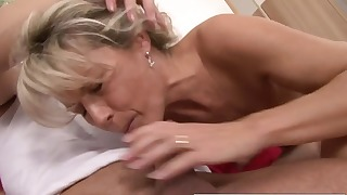 Stunning MILF opens her hungry tight crack