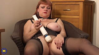 Hot mature redhead shows her body