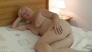 Hot mature solo with a natural blonde