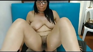 Mature Latina big ass and nice tits